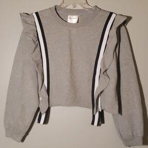 sweatshirt with frills.